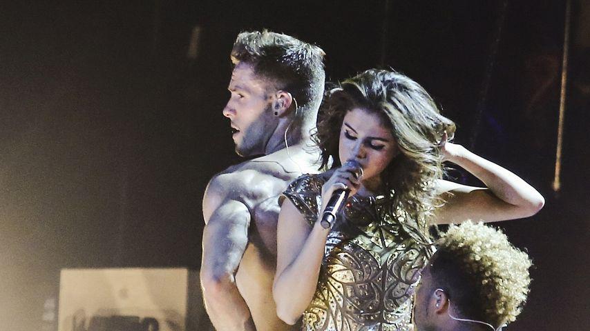 Guck mal, Justin! Selena Gomez heizt Fans mit sexy Show ein