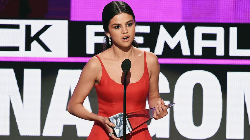 Selena Gomez bekommt Preis bei American Music Awards 2016