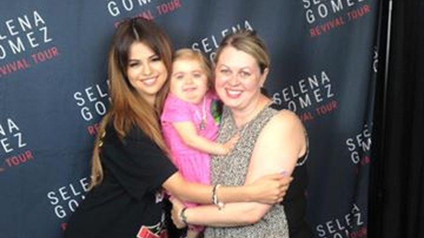 Selena Gomez mit Audrey Nethery und der Mutter der Kleinen