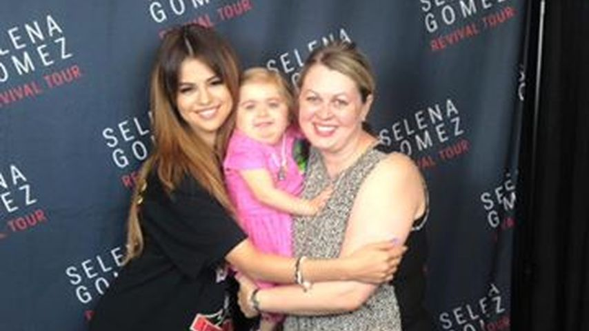 Selena Gomez' Horrorjahr: Gab ihr dieser Mini-Fan Kraft?