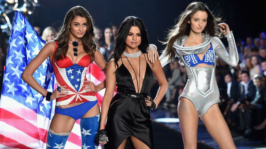 Selena Gomez bei der Victoria's Secret Fashion Show 2015