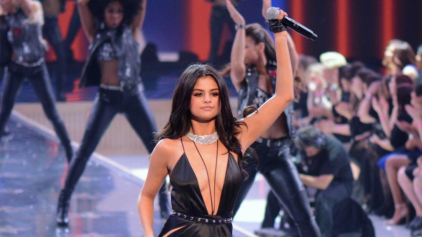 "Playback? Selena Gomez singt ""verdammt noch mal"" live"