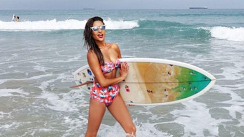 Sportskanone! Shay Mitchell als heißes Surfer-Girl