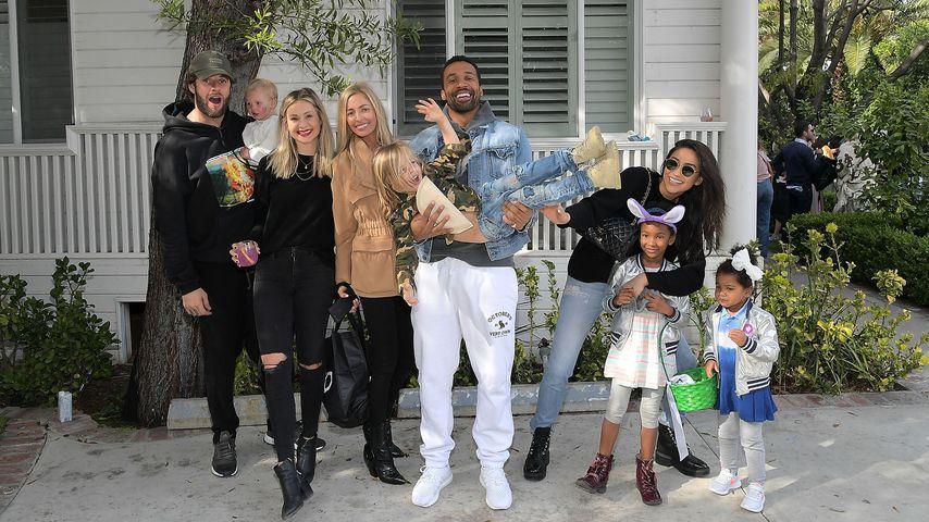 Matte Babel und Shay Mitchell (r.) mit Familie und gemeinsamen Freunde in Kalifornien