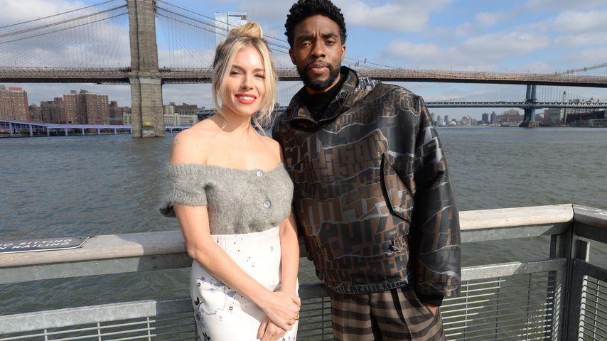 """Sienna Miller und Chadwick Boseman bei einem """"21 Bridges""""-Fotoshooting in NYC im November 2019"""