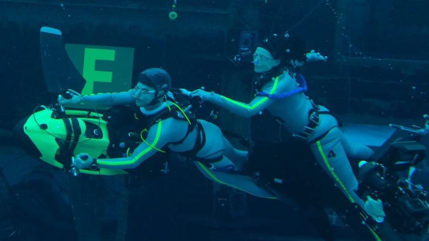 """Sigourney Weaver bei einem Unterwasser-Shooting für """"Avatar"""""""