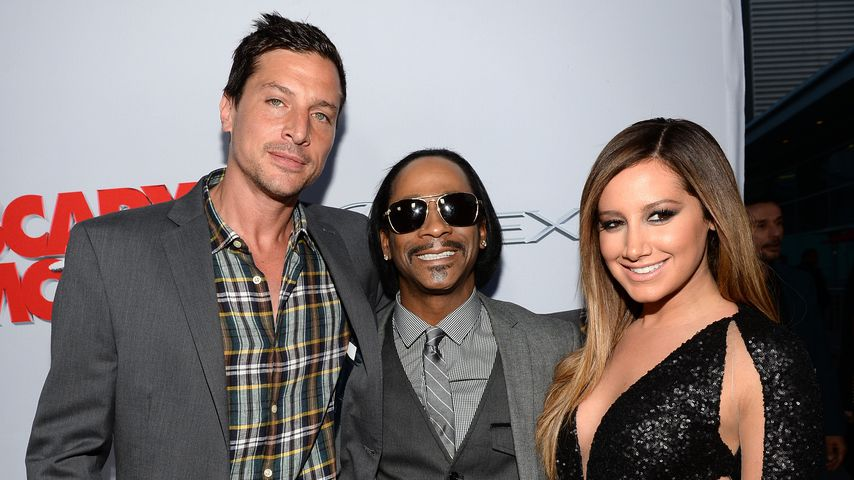 "Simon Rex mit Katt Williams und Ashley Tisdale auf der Premiere von ""Scary Movie 5"""