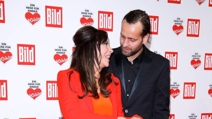 """Simone Thomalla und Silvio Heinevetter bei der """"Ein Herz für Kinder""""-Gala 2018"""