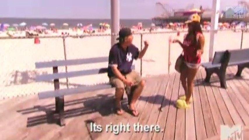 Video: Betrunkene Snooki findet den Strand nicht