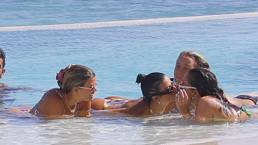 Sofia Richie mit Freunden in Mexiko