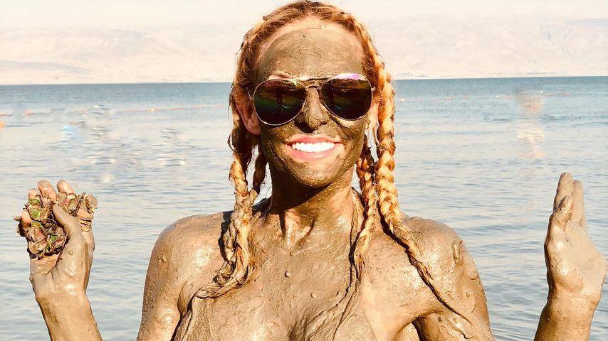 Matsch-Alarm: Wer erkennt das sexy Bikini-Girl auf dem Foto?