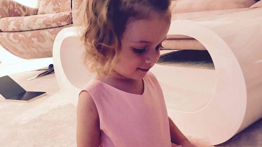 Rosa Tütü und stolze Katze: Sophia Cordalis als Prinzessin