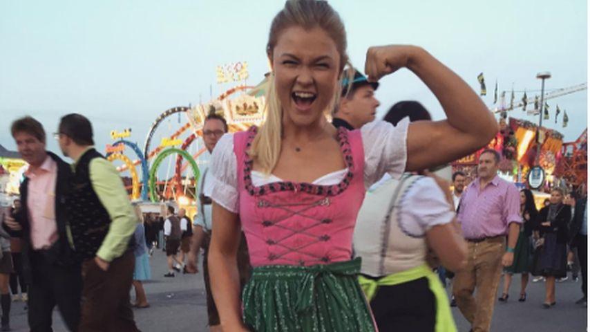 Sophia Thiel zeigt ihre Muckis auf der Wiesn