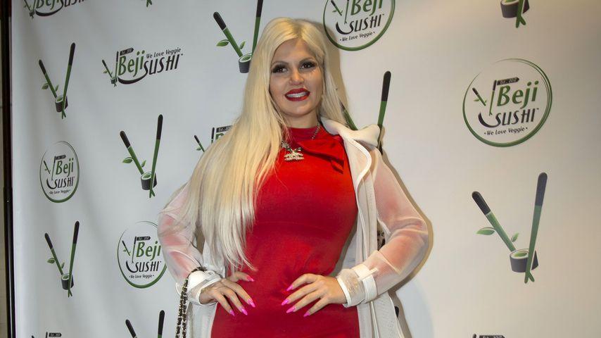 Sophia Vegas bei der Beji Sushi Eröffnung, 2019 in Agoura Hills, USA