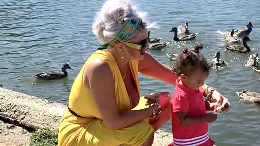 Sophia Vegas mit Töchterchen Amanda, Juli 2020