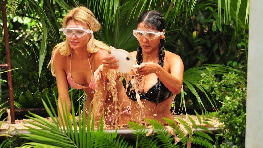 Giuliana Farfalla und Kattia Vides bei ihrer ersten Prüfung im Dschungelcamp