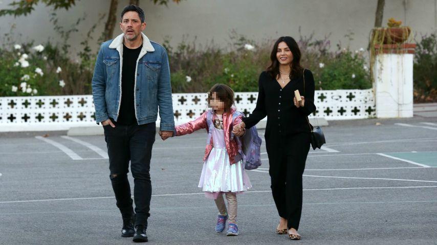 Steve Kazee sowie Jenna Dewan und ihre Tochter Everly
