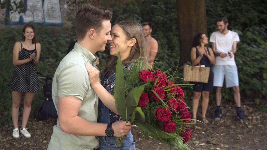 "Szene aus ""Rote Rosen"" mit Felix Jordan und Marija Mauer"