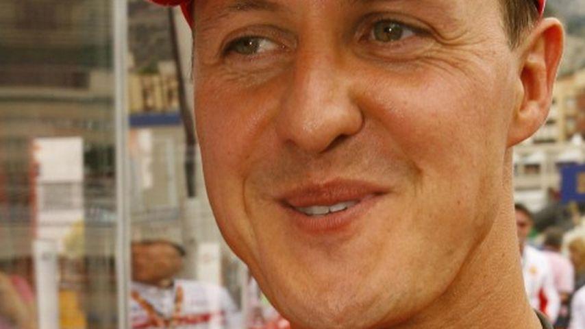 Benefiz-Fußballspiel: Vettel & Nowitzki kicken für Schumi!