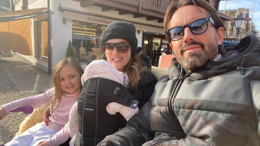 Tamara Ecclestone mit ihrem Mann Jay Rutland und ihren beiden Töchtern