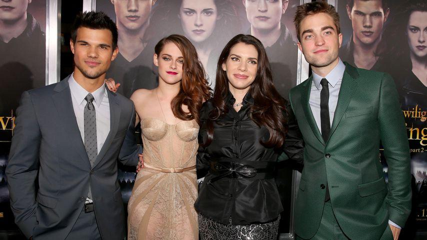 Taylor Lautner, Kristen Stewart, Stephenie Meyer und Robert Pattinson auf einer Filmpremiere 2012