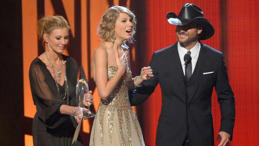 Taylor Swift bei ihren ersten CMA Awards 2009
