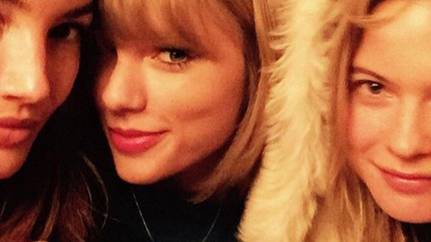Model-Sandwich: Taylor Swift bereit für den Runway