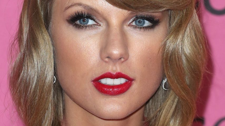 Fies! Taylor Swift kickt Model aus VS-Fashion Show