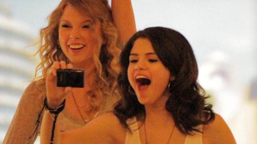 "Freude bei Taylor Swift & Selena: ""Es ist Sommer"""