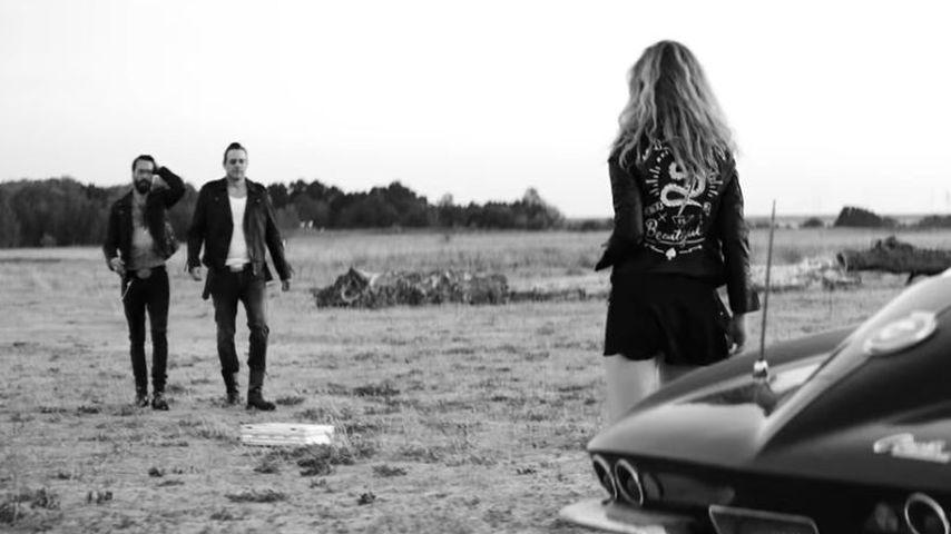 """The BossHoss und Larissa Kerner im Musikvideo von """"She"""""""
