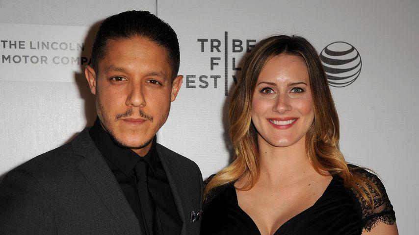 """Theo Rossi und seine Frau Meghan McDermott bei der Premiere von """"Bad Hurt"""" 2015"""