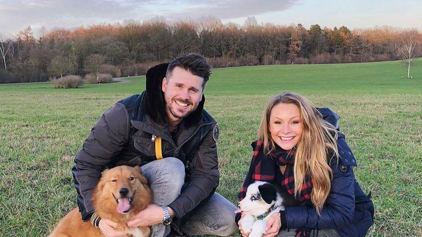 Thore und Jana Schölermann mit ihren Hunden