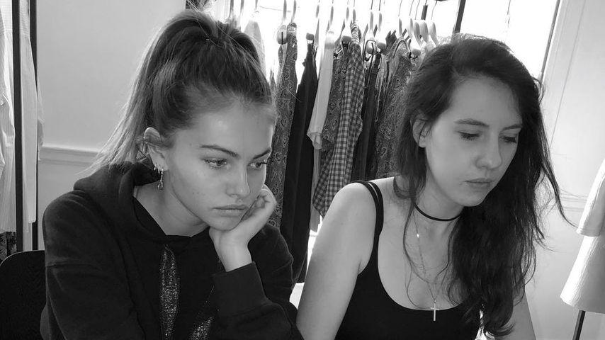 """Thylane Blondeau und eine Freundin beim Planen ihrer Kollektion """"Heaven May Clothing"""""""