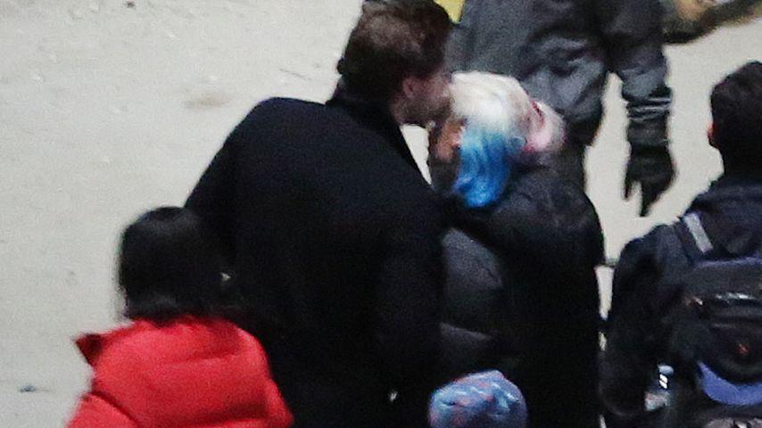 """Tom Ackerley und Margot Robbie am Set von """"Suicide Squad"""""""