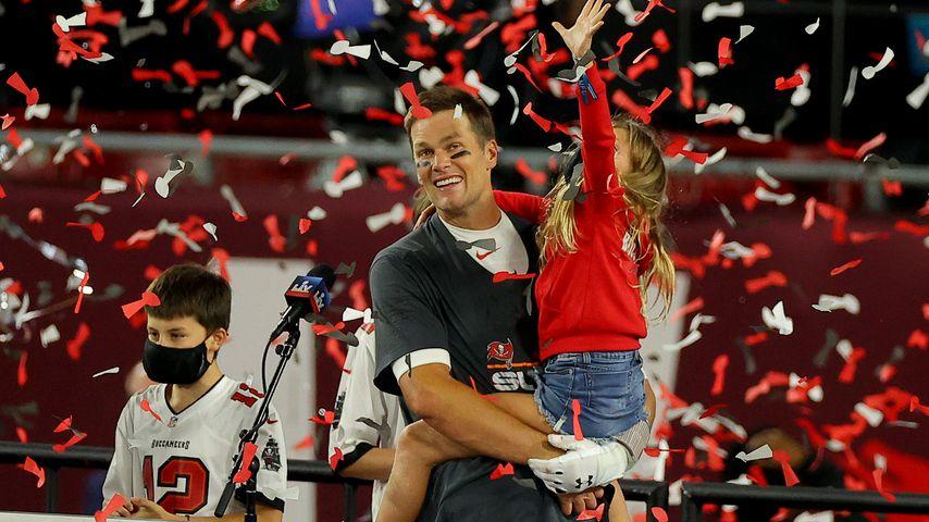 Tom Brady mit seiner Tochter Vivian beim Super Bowl
