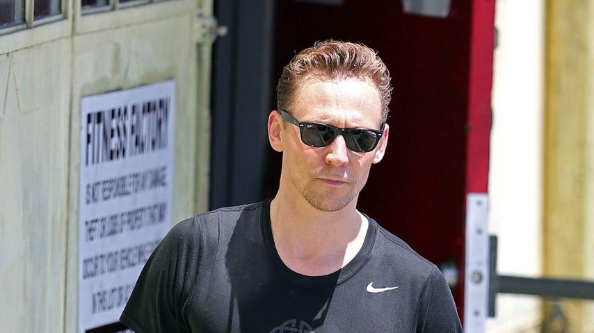 """Riesen-Gemächt: Tom Hiddleston lässt """"ihn"""" baumeln"""