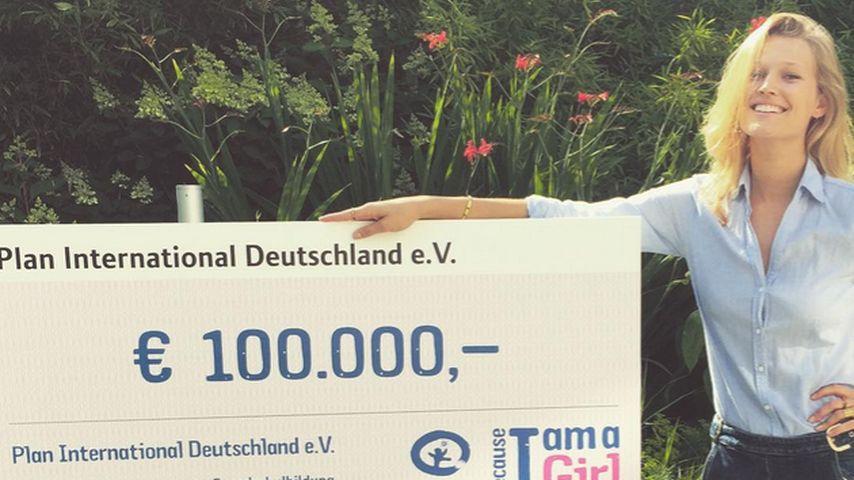 Respekt! Toni Garrn sammelt Geld für Frauen in Afrika