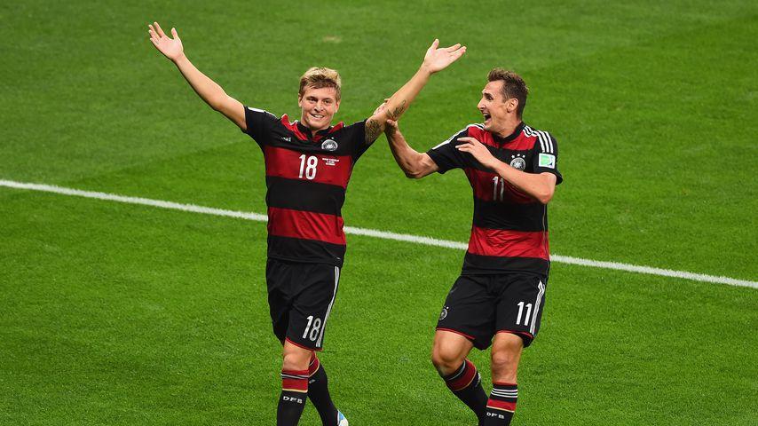 Toni Kroos und Miroslav Klose im WM-Halbfinale 2014 gegen Brasilien