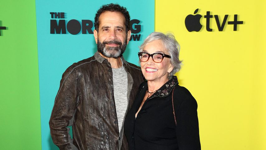 "Tony Shalhoub und Brooke Adams auf der ""The Morning Show""-Premiere in New York"