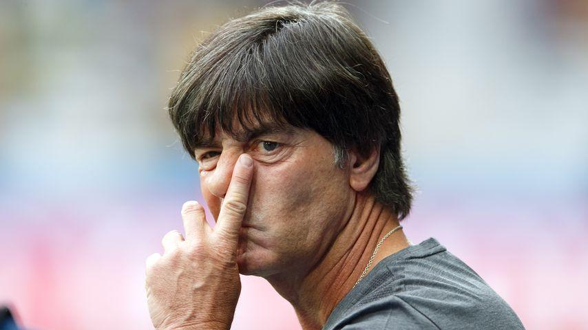 Trainer Joachim Löw beim Spiel Deutschland gegen Ukraine bei der Fussball-EM in Lille