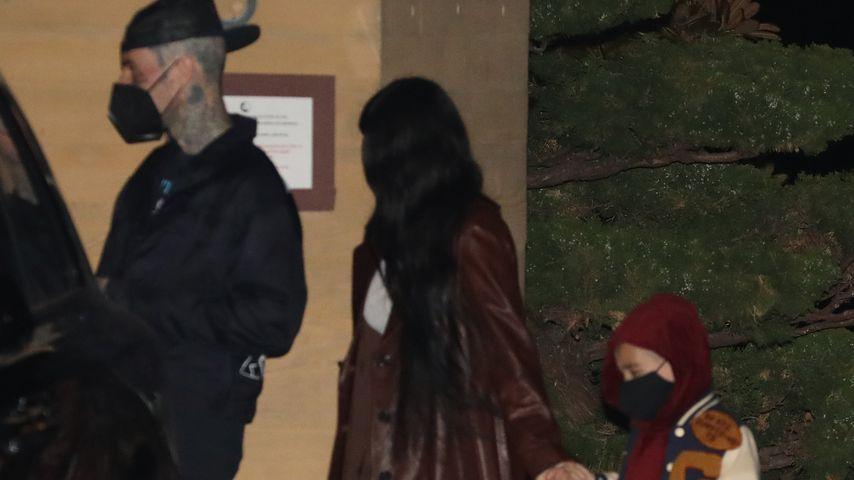 Travis Barker mit Kourtney Kardashian und ihrem Sohn Reign
