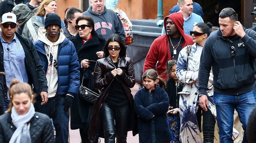 Travis Scott, Kris Jenner, Kourtney Kardashian, Penelope Disick, Corey Gamble, North West und Kylie