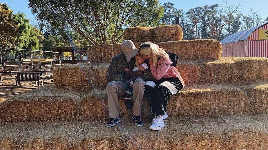Kylie Jenner und Travis Scott gemeinsam mit Tochter Stormi Webster im Oktober 2018