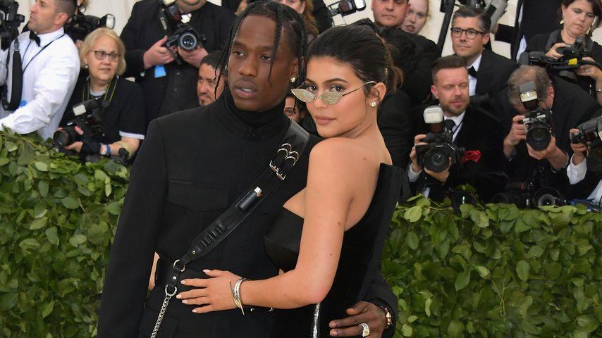 Erster Red Carpet mit Travis: Kylie Jenner bei Met Gala!