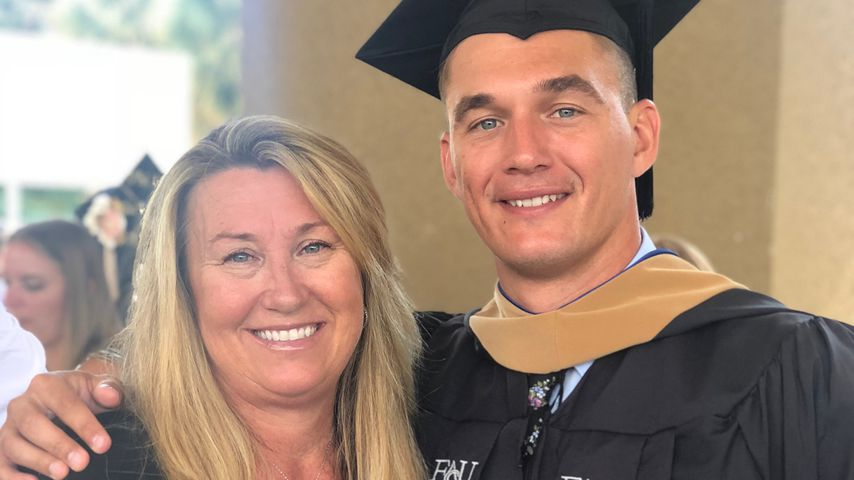 Tyler Cameron mit seiner Mutter Andrea, August 2018
