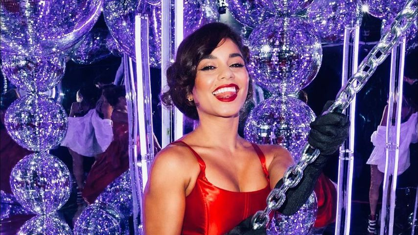 Vanessa Hudgens als Miley Cyrus an Halloween 2020
