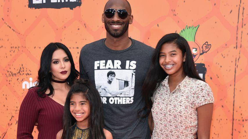 Vanessa und Kobe Bryant mit ihren Töchtern Gianna und Natalia (r.), Juli 2016