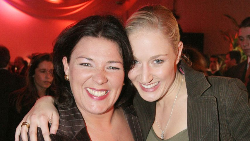 """Vera Int-Veen und Janine Kunze bei der Party """"Die Hit Giganten – Das Weihnachtsspecial"""""""