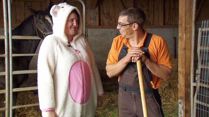 Tierisch süß: Verena ist BsF-Rolands geilste Ziege im Stall!