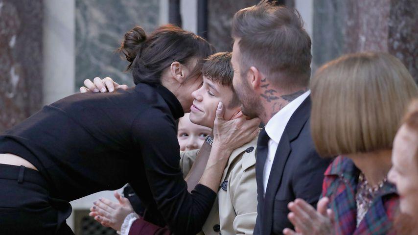 Nur Brooklyn fehlt! Beckham-Family jubelt Vic auf NYFW zu